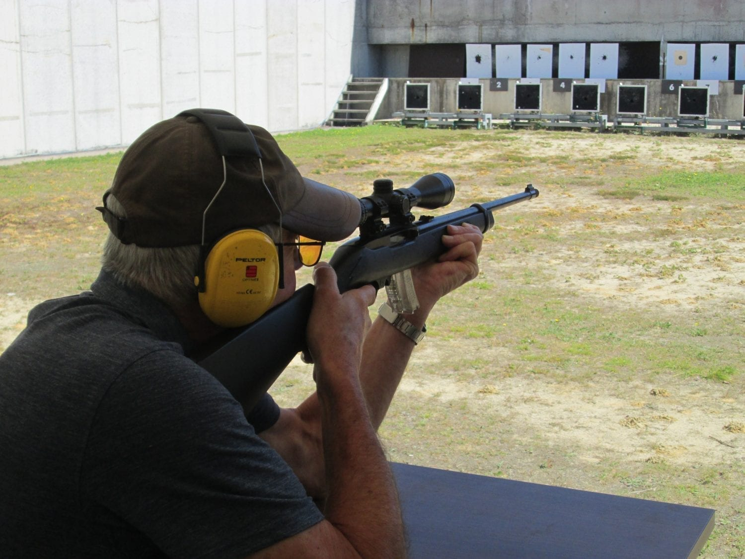 Shooting at the range with a rifle